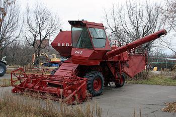 350px-Kombajn_SK-5_Sokol_gora1