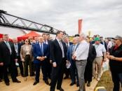 Посещение Министром сельского хозяйства Д.Патрушевым экспозиции Квернеланд Груп СНГ на Всероссийском дне поля
