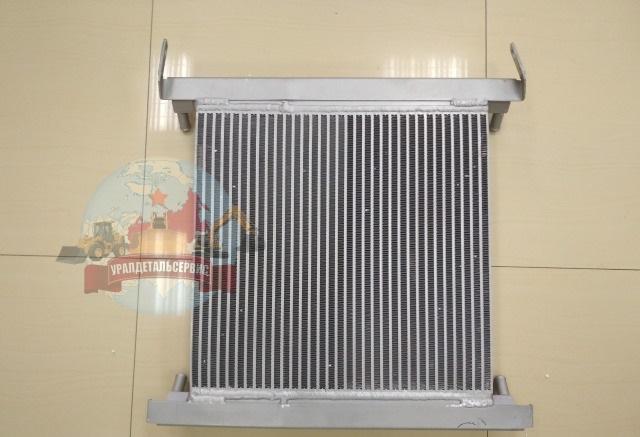 Radiator-maslyanyj-VOE-11890332-Volvo-BL71