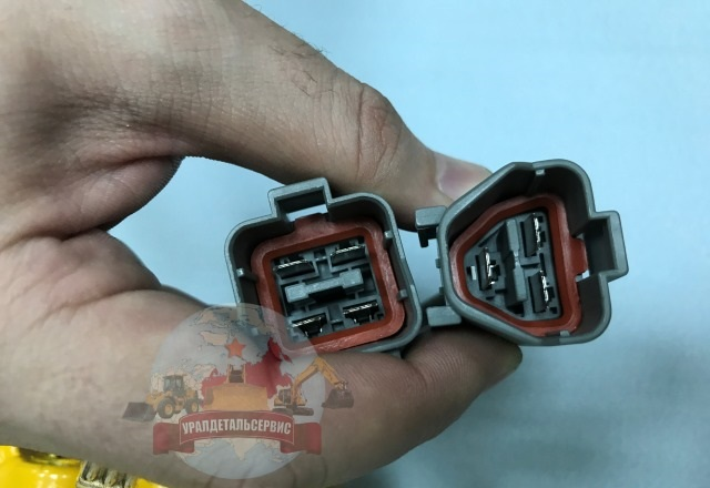 SHagovyj-motor-7824-34-1600-7824-30-1600-Komatsu-3