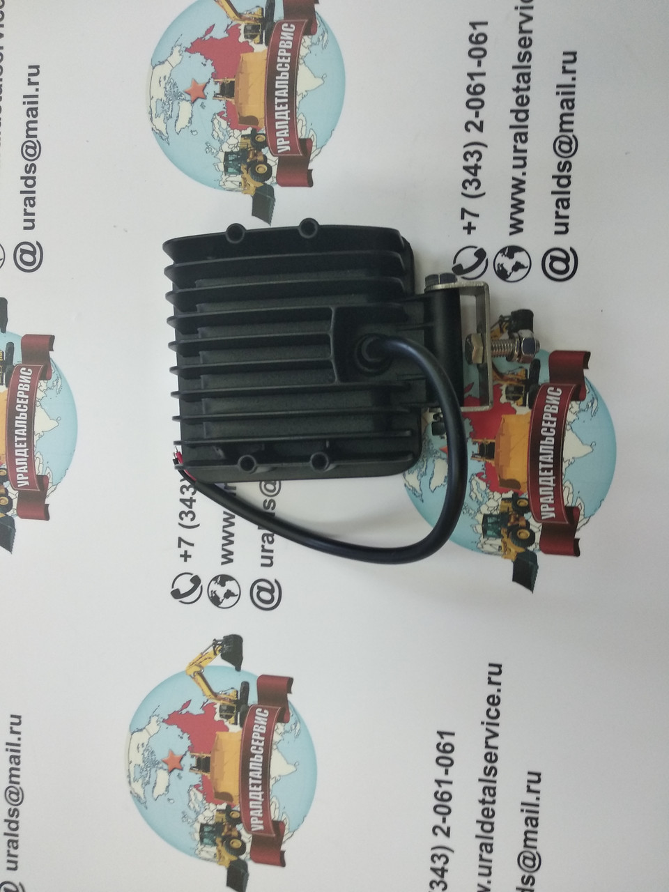 Svetodiodnaya-fara-UDS-012-LED-rabochego-sveta-foto-4